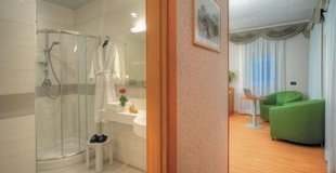 DELUXE-ZIMMER ELE Green Park Hotel Pamphili